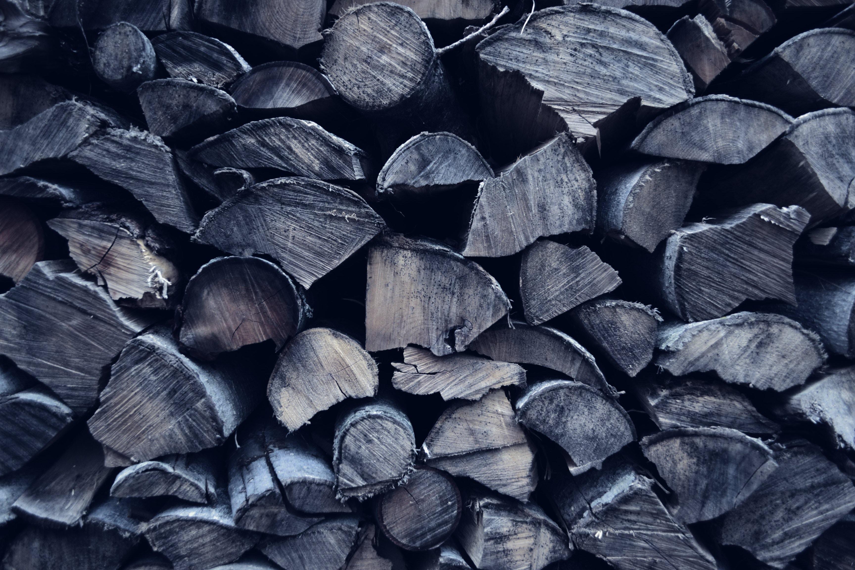 Węgiel czy drewno – oto jest pytanie.